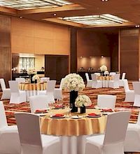 Le Meridien Connaught Place 5 Star Hotel in Connaught Place