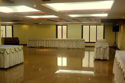 Arya International Kolkata. Banquet hall in Bhawanipur