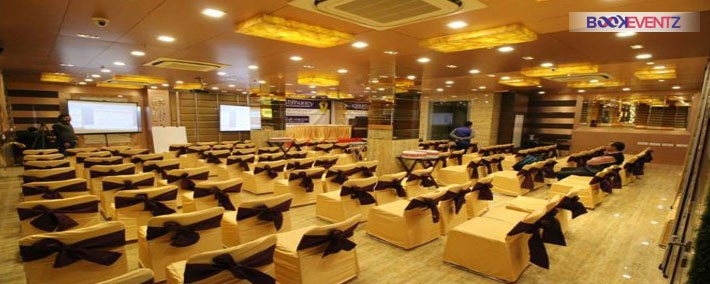 Hotel Golden Grand Patel Nagar. Banquet hall in Patel Nagar